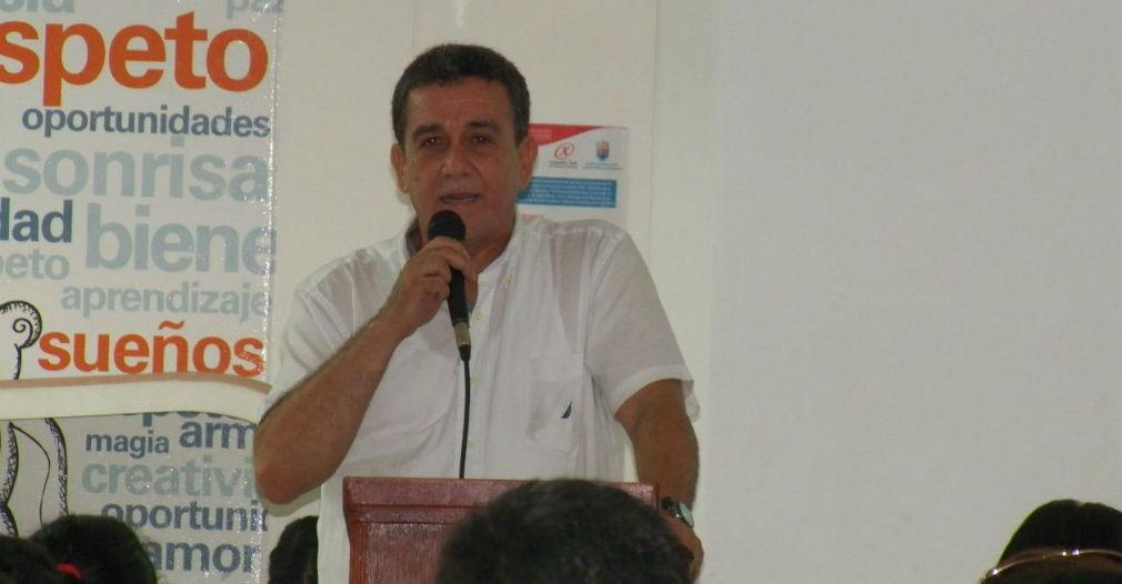 Jairo Echeverry Patiño, representante legal de Nutrir Caribe, durante la socialización con la comunidad.