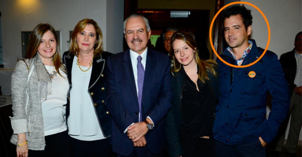 Alejandro Adrizmendi, hijo del reconocido periodista Darío Arizmendi, fue cofundador de la empresa con la que se firmaron los dudosos convenios.