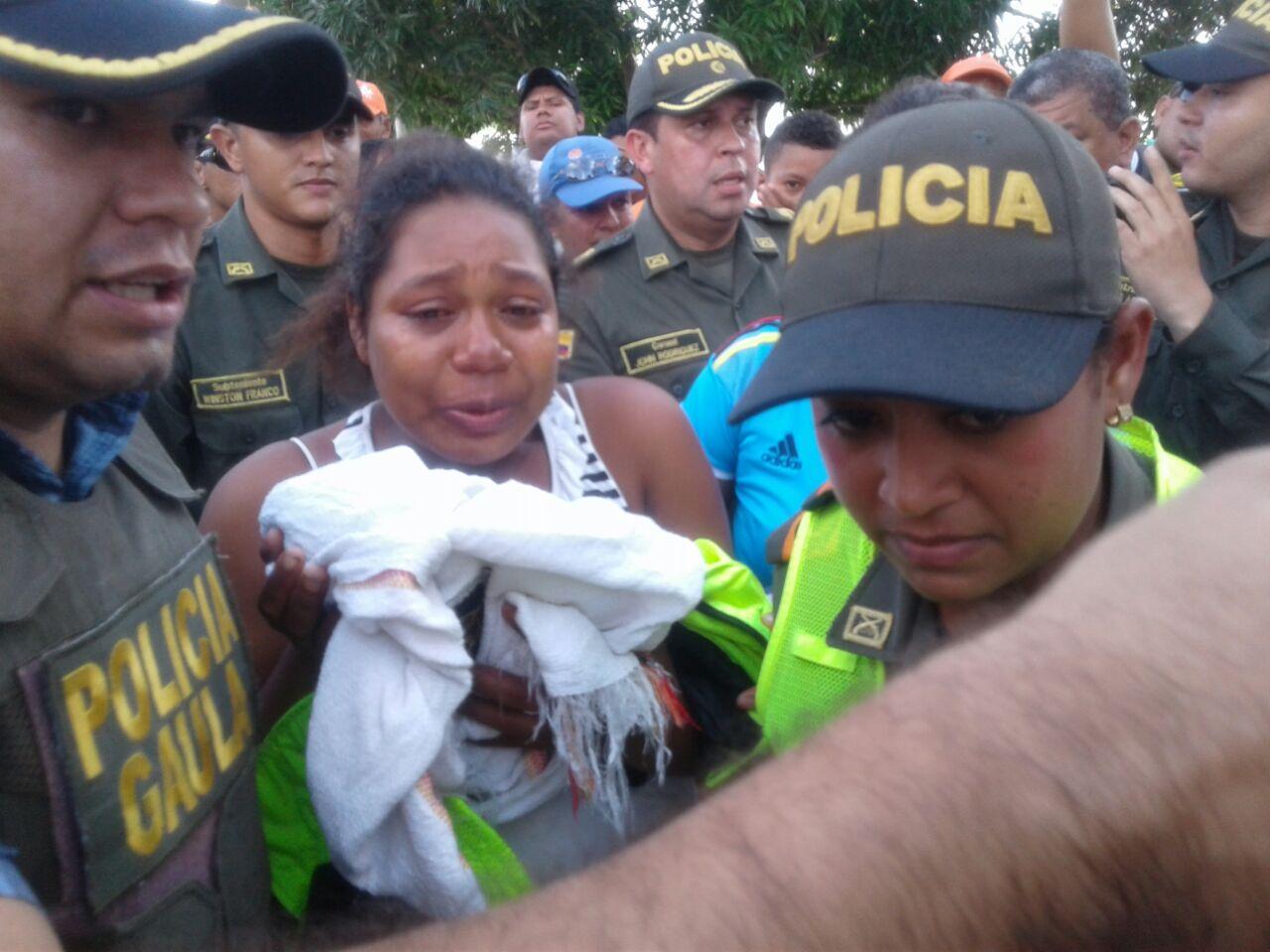 Rita Salas, madre del recién nacido, se reencontró con el bebé en un emotivo momento.