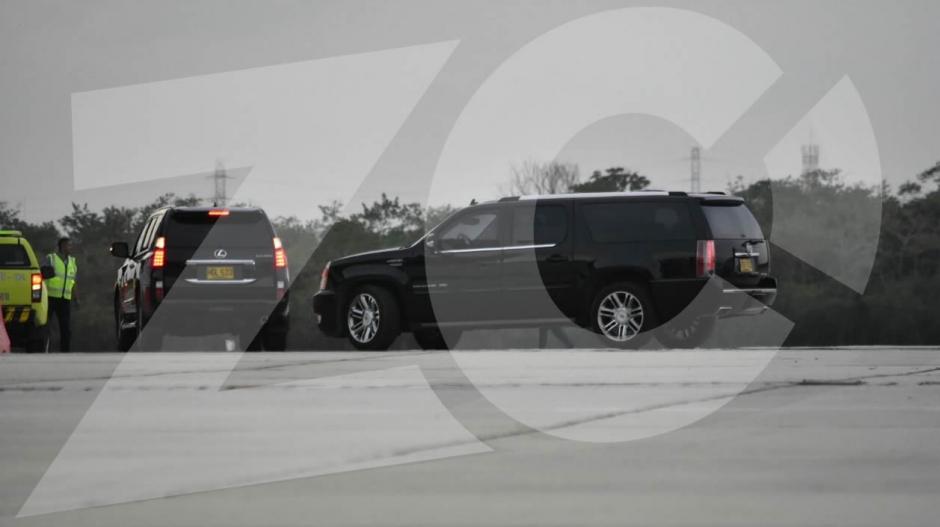 Estas dos camionetas transportaron a la cantante barranquillera y al astro del fútbol.