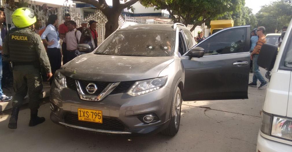 El vehículo donde iba Aury Estela recibió varios impactos de bala.