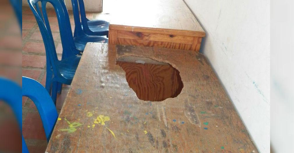 Lo que no vieron: una de las mesas de comedor en el colegio Luis Carlos Galán.