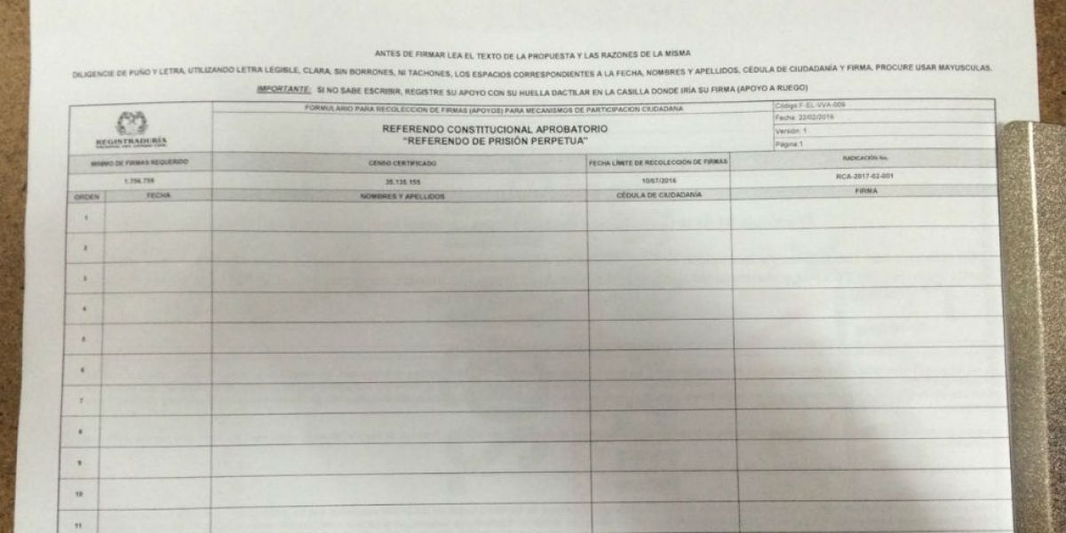 Esta es la hoja donde se buscarán las firmas para el referendo a favor de la cadena perpetua para violadores de menores.