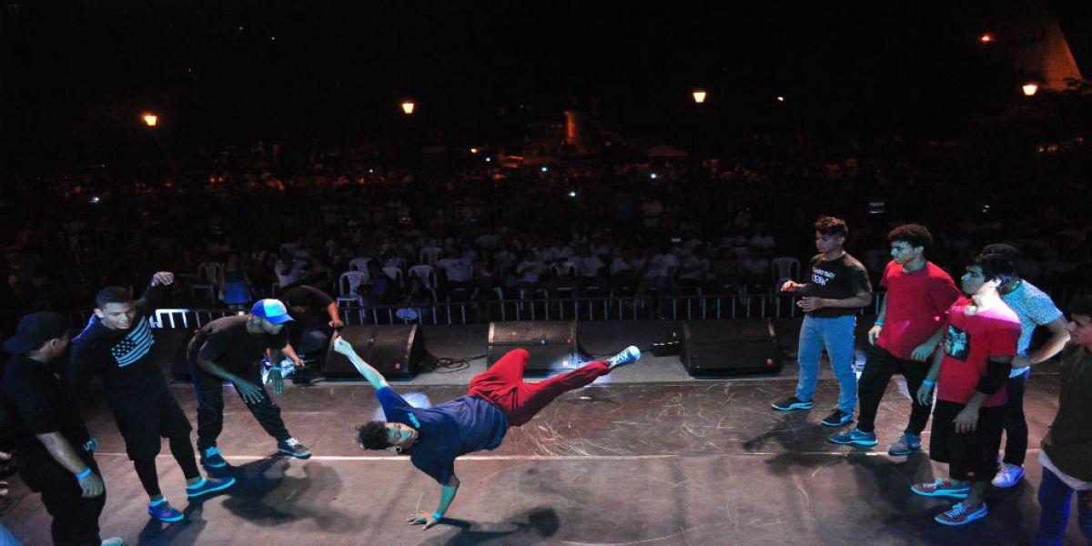 Bailarines de break dance