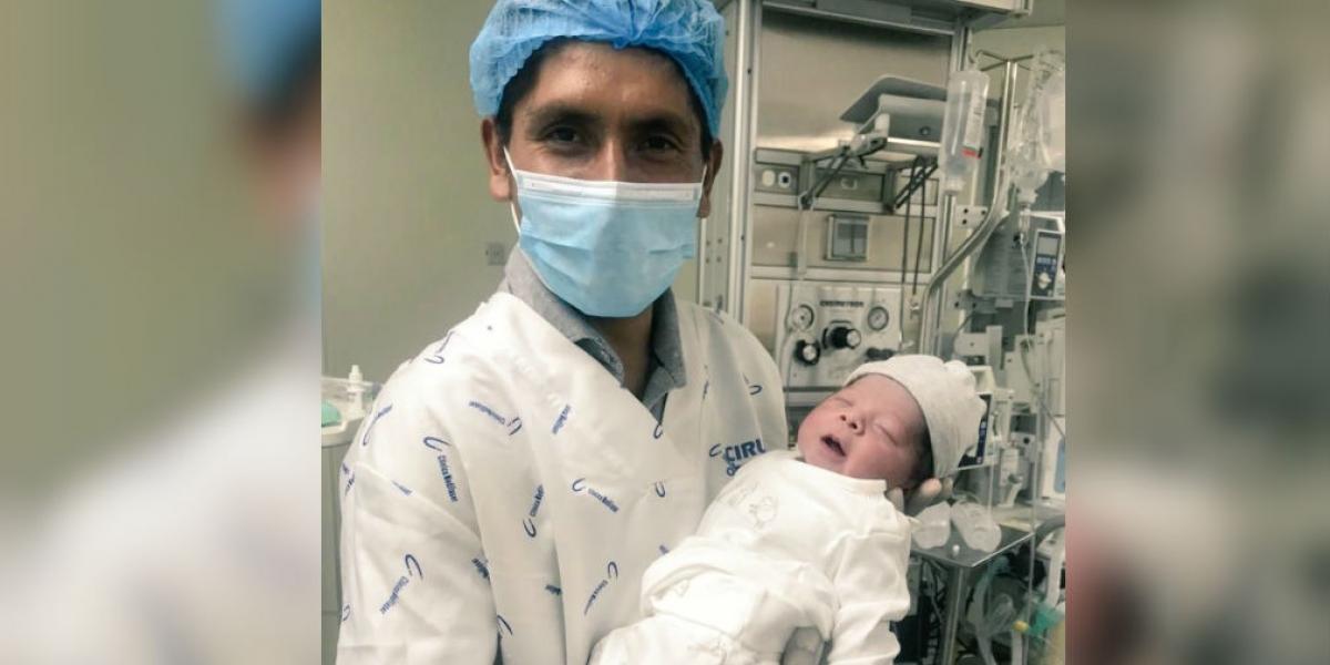 Nairo Quintana y su hijo Tomas