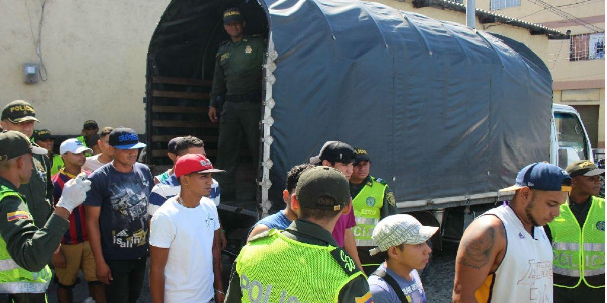Operativo en el que fueron reportados 126 venezolanos que estaban de manera irregular en Santa Marta.