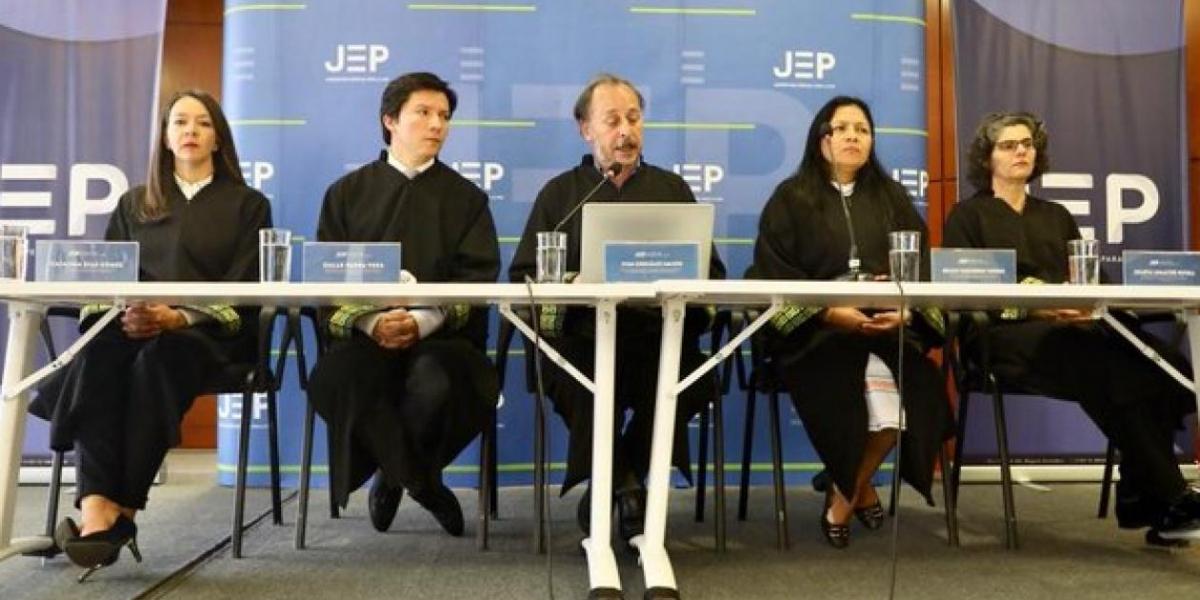 Los magistrados de la JEP durante la audiencia.