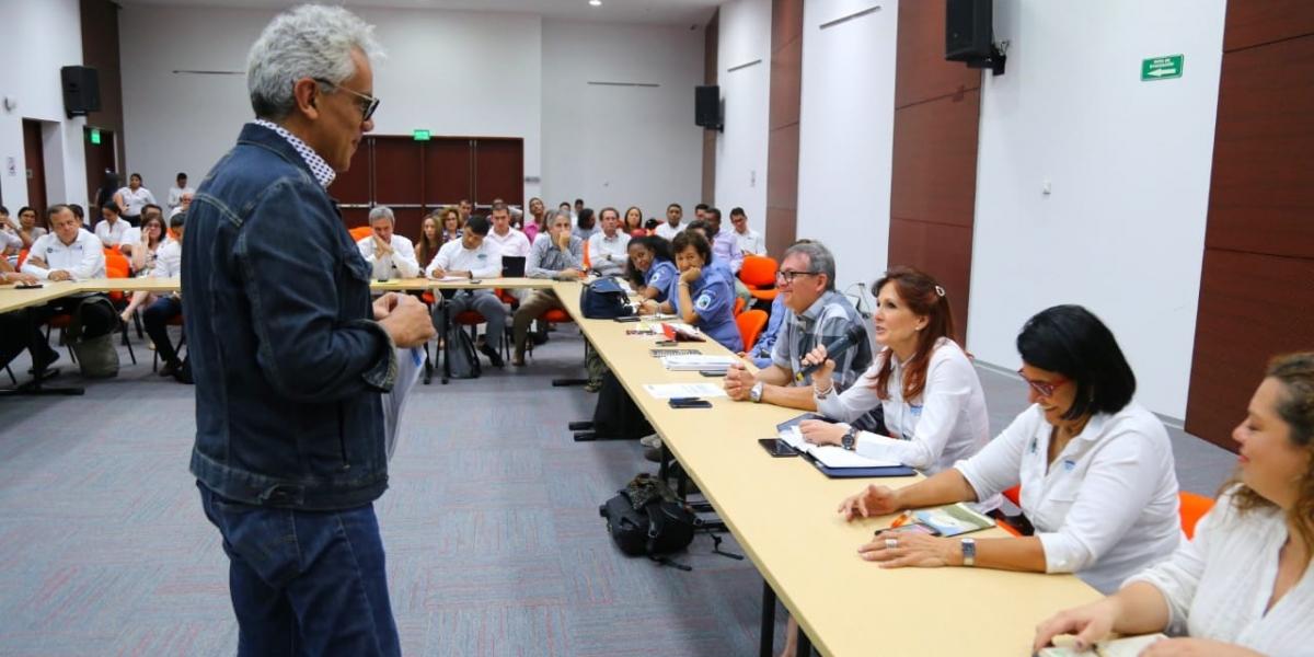 El ministro de Ambiente, Ricardo Lozano, señaló que Colombia trabaja en el relacionamiento con la naturaleza.