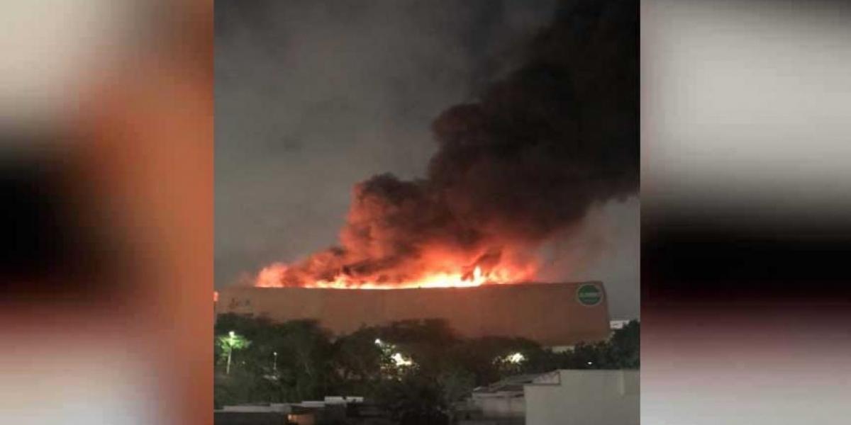 Esta imagen muestra la magnitud del incendio en el Buenavista.