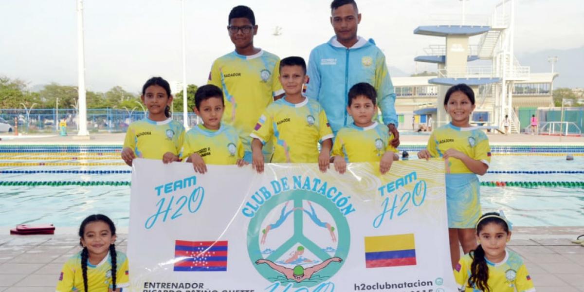 Niños nadadores de Santa Marta.