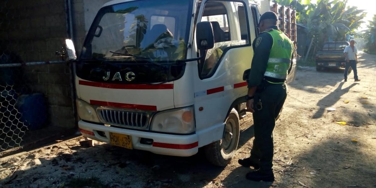 Camión recuperado por la Policía del Magdalena.