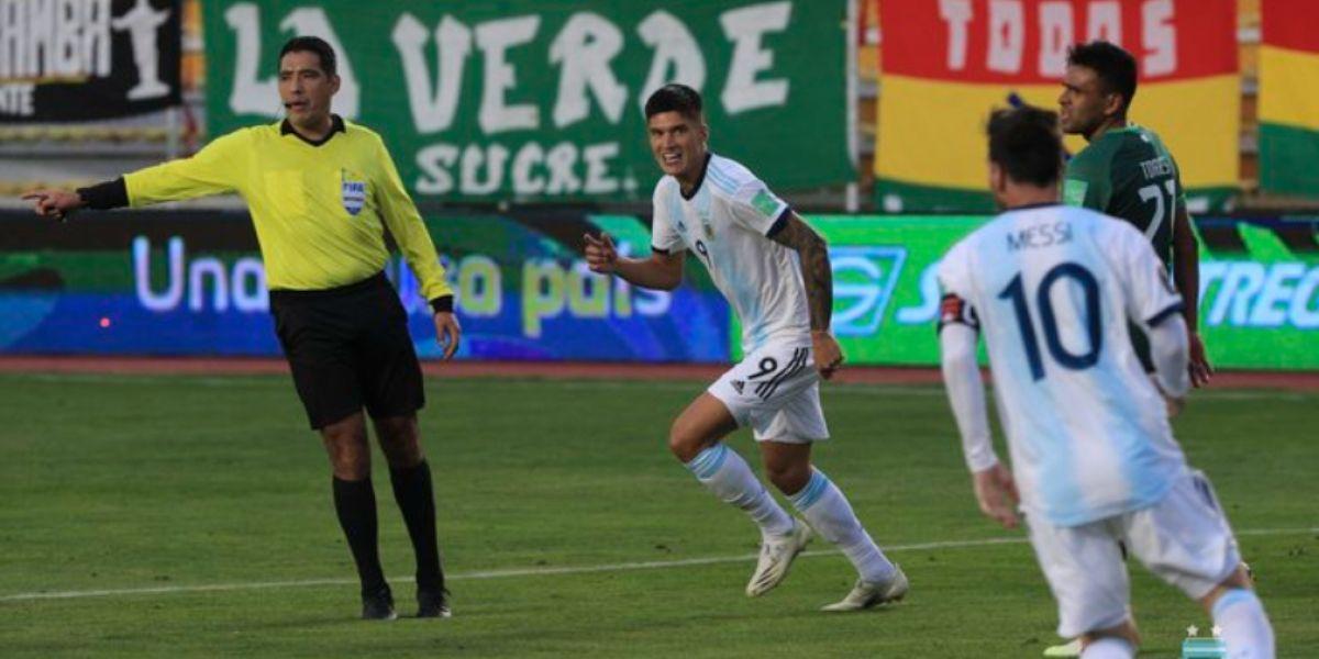 Argentina terminó la primera jornada del premundial con puntaje perfecto.