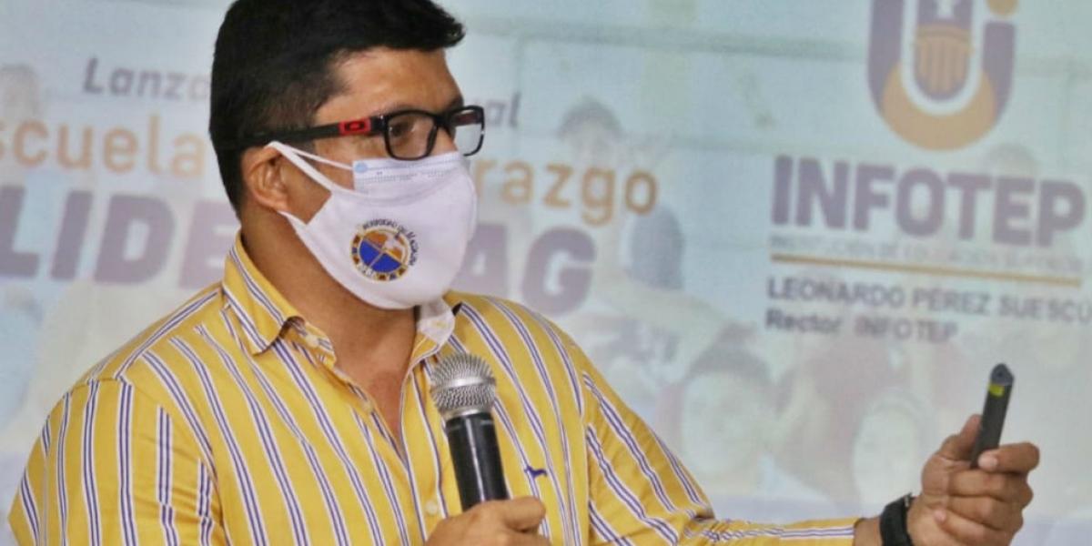 Pablo Vera Salazar, rector y aspirante al mismo cargo.