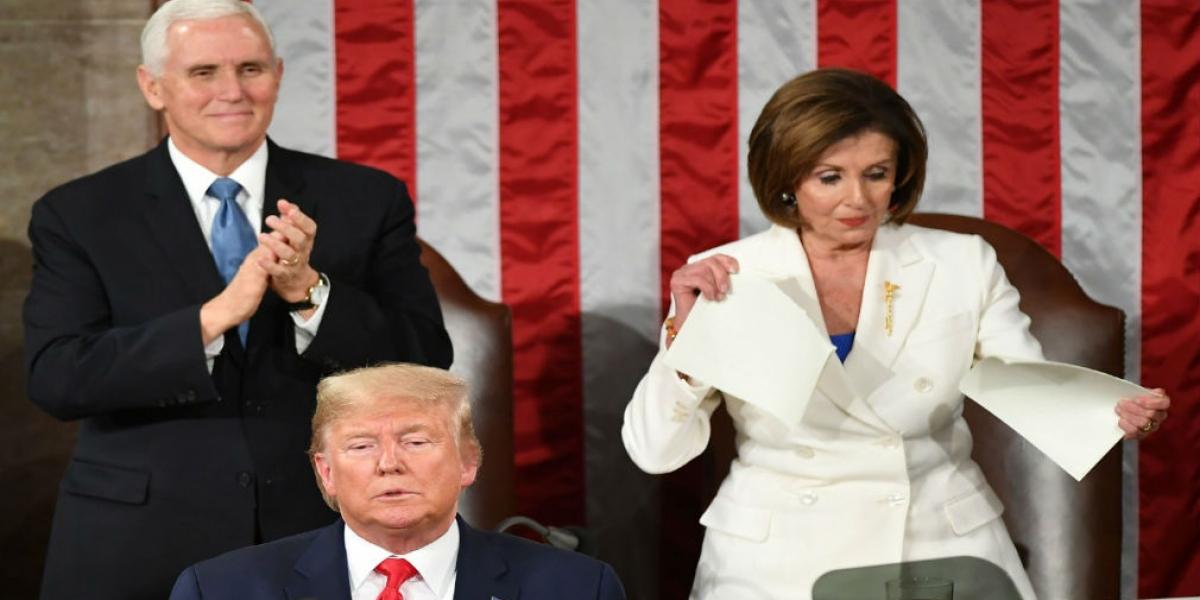 Nancy Pelosi rompe discurso del Estado de la Unión tras alocución de Trump.