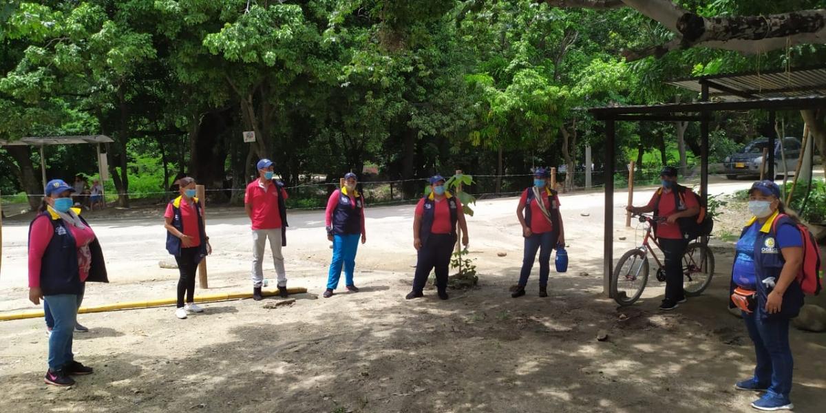 Visita de las autoridades al río Bonda.