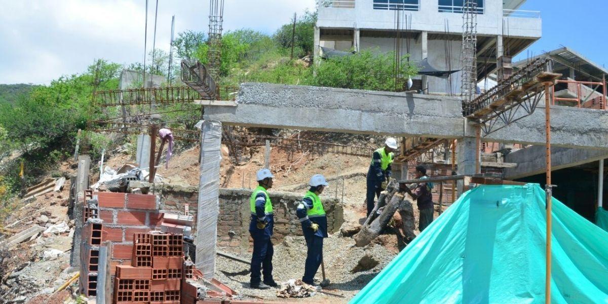 Construcciones ilegales en Taganga.