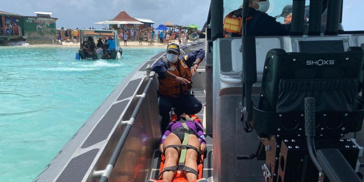 Turista evacuada en San Andrés.