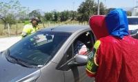Las marimondas sensibilizaron a los conductores en la Y de Ciénaga.