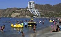 El gremio hotelero alertó que la vacuna pondría en riesgo el turismo de Semana Santa.