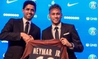 Nasser Al-Khelaifi presentando el fichaje de Neymar