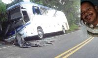 Rafael Ramiro García Mancera fallecido y el bus que habría invadido el carril.