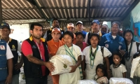 Miembros de comunidades indígenas se vieron beneficiados con las ayudas.