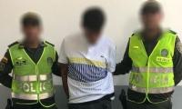 Joven capturado por presuntamente atracar a Diva Jessurum y su novio.