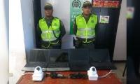 Los amigos de lo ajeno se habían llevado 4 portátiles y dos cámaras seguridad.