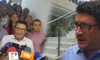 El abogado, Iván Cancino y los procesados cuando quedaron en libertad.