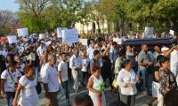 Manifestación en medio del sepelio.