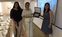 Presentación del certificado obtenido por el Colegio Bilingüe.