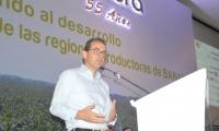 Andrés Valencia, ministro de Agricultura, durante el octavo congreso técnico bananero.