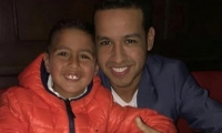 Martín Jr. junto a su padre, el cantante, Martín Elías.
