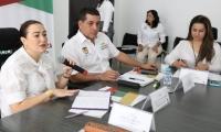 La Superservicios (e) María Paula Jaramillo, durante el reciente análisis de Electricaribe con el Gobernador de Bolívar Dumek Turbay.