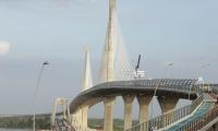 La construcción de la nueva estructura generó hasta 1.978 empleos directos, la cual cuenta con tres carriles por sentido, zona peatonal a cada lado y ciclo-ruta, la longitud del puente es de 3.2 kilómetros y el ancho total es de 38 metros.