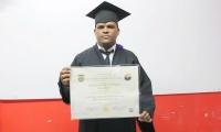 Jerfer Emilio Gutiérrez Villanueva, cumpliendo su sueño de graduarse en Unimagalena