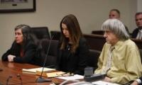 David Turpin y Louise Turpin (a la izquierda), durante el juicio.