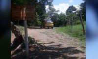 El taxi fue encontrado en la mañana este jueves en una zona enmontada.