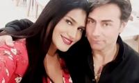 El actor Mauricio Urquijo y su novio María Gabriela Isler