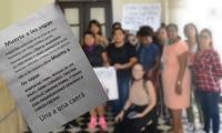 Mujeres que participaron en protesta contra diputado aparecen en el panfleto.