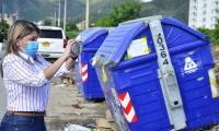 Virna Johnson emprendió una campaña para atacar el manejo de basuras en Santa Marta.