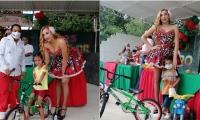 La Reina del Carnaval de Fundapescaíto y el director de la Fundación estuvieron entregando los premios