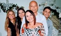 Iván Linero, Clarena Lobo, Linda, Iván Darío y Linney Linero Lobo