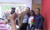 Jorge Cura, en el estudio de Emisora Atlántico con Liz Danny Campo Barrios.