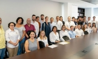 Representantes de las empresas favorecidas con el programa Emprende País.
