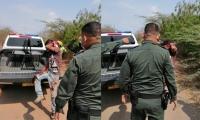 El presunto delincuente herido a machete y que fue capturado por la Policía.