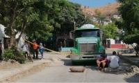 Protesta de habitantes de María Eugenia, sector Caribe.