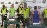 Los capturados junto a los estupefacientes incautados, fueron dejados a disposición de la Fiscalía Seccional de El Banco.