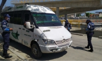 Control a vehículos de transporte intermunicipal.