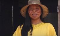 Una 'Sergista' conduce el informativo Wayuu 'Sulu'upüna Woumain: desde el territorio'.